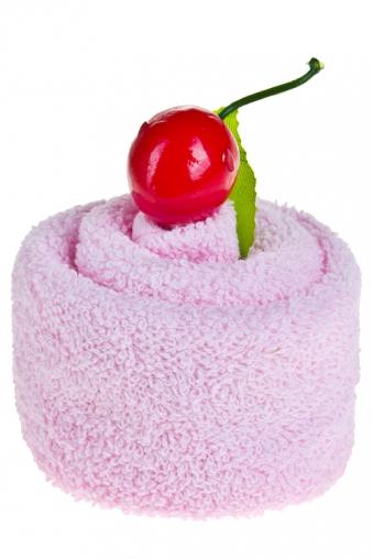 """Наборы для ванной Красный куб Полотенце подарочное """"Вишневый торт"""""""
