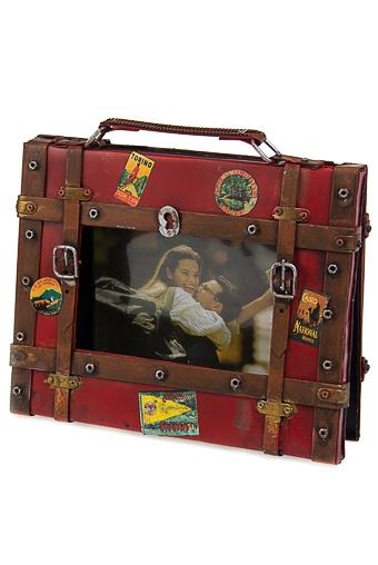 """Семейные фотоальбомы Красный куб Фотоальбом """"Красный чемоданчик"""""""