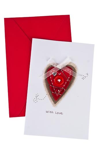 """Открытки ручной работы Красный куб Открытка подарочная """"Сердце с пуговкой"""""""