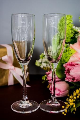 """Оригинальные и Необычные подарки Красный куб Набор бокалов для шампанского с вашим текстом """"На крючк"""