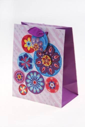 """Пакеты на любой повод Красный куб Подарочный пакет """"Круги на розовом фоне"""""""