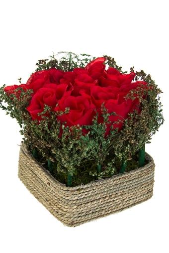 """Декоративные цветы Красный куб Композиция декор. """"Розы в корзинке"""""""