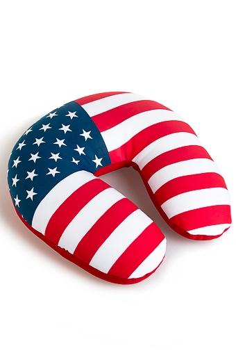 """Сувениры для мужчин Красный куб Подушка-подголовник """"Америка"""""""