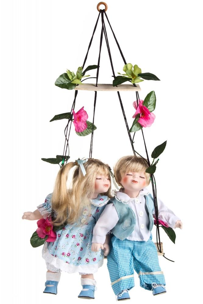 """Фарфоровые куклы Красный куб Набор кукол """"Влюбленные малыши на качелях"""""""