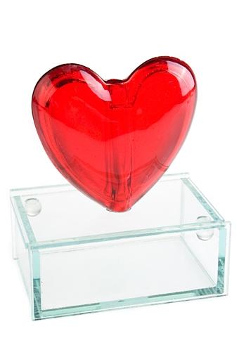 """Стеклянные вазы и кашпо Красный куб Ваза декор. """"Сердце на подставке"""""""